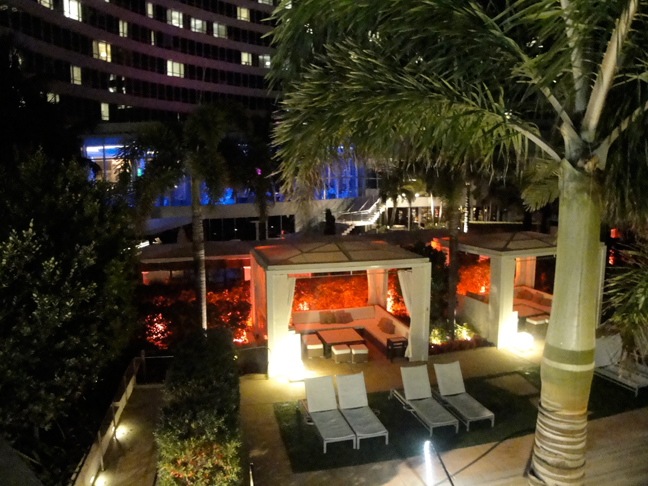 Cabana - Fontainebleau pool at night