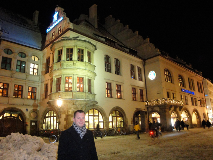 Nick outside Hofbräuhaus