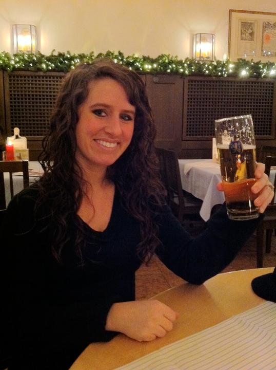 Cheers at Löwenbräu