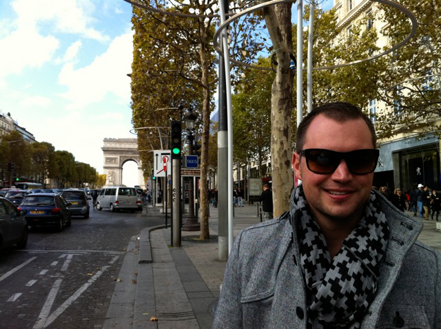 Nick with the Arc de Triomphe