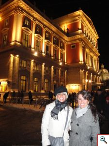 Jenny and Jill - facade of Musikverein